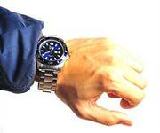 Купить наручные часы в магазине